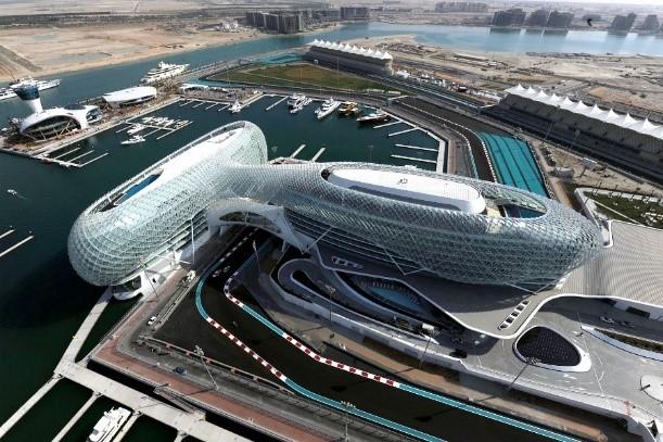 Трасса F1 в Абу-Даби на которой установлены ТС Tesar